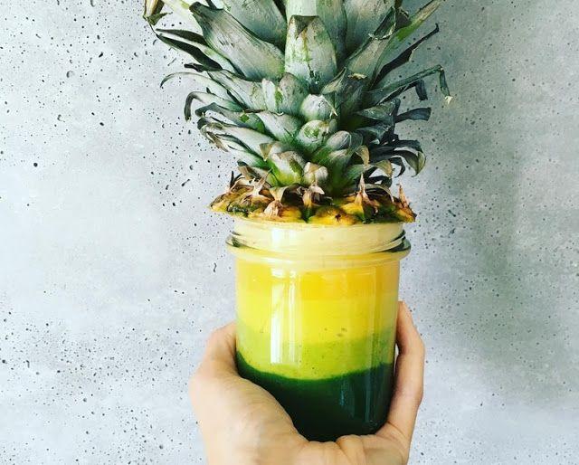 Warstwowy koktajl ananasowy