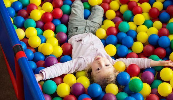 Plaine de jeux couverte: l'alternative pour occuper votre enfant cet hiver - L'Express Styles