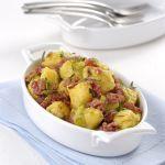 Se cerchi una ricetta saporita e tradizionale a base di cotechino e polenta, scopri la ricetta degli gnocchetti di polenta e verza agli aromi di Sale&Pepe.
