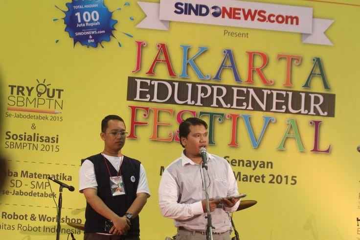 JEF Beri Arahan Orang Tua Pilih Kampus bagi Anak http://sin.do/b9vq  http://nasional.sindonews.com/read/979830/144/jef-beri-arahan-orang-tua-pilih-kampus-bagi-anak-1426999047