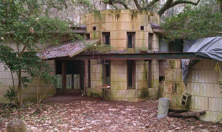Abandoned Frank Lloyd Wright House George Lewis House