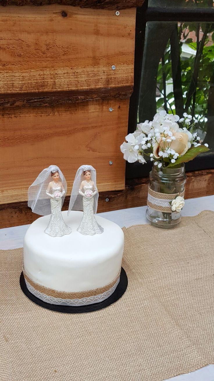 Bruidstaart met jute
