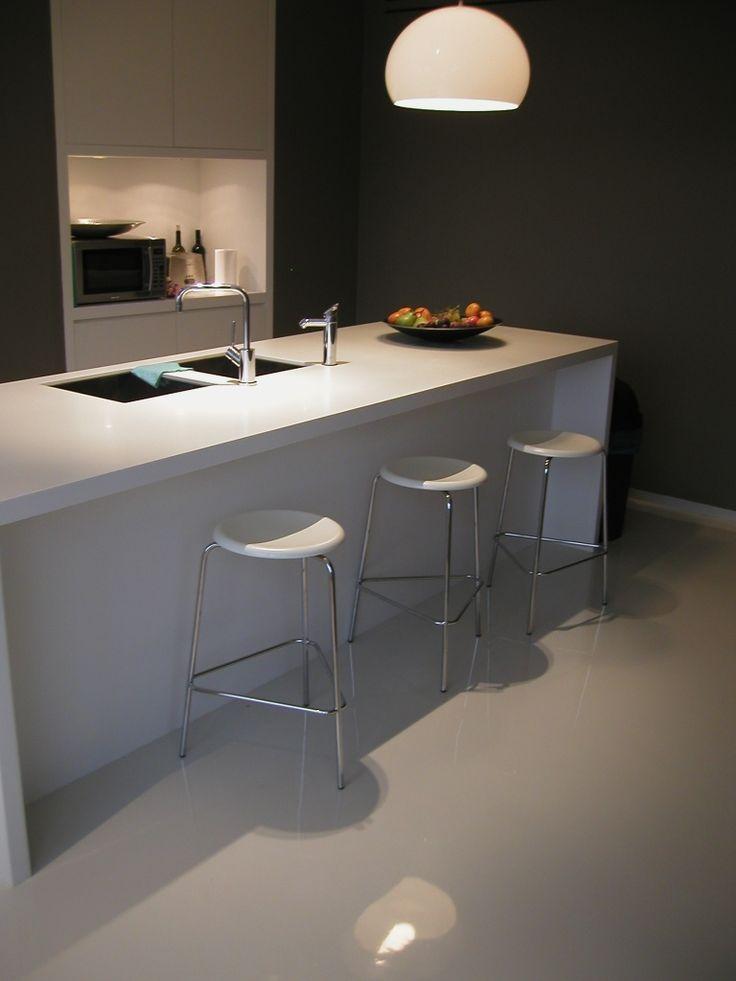 Seamless white SL epoxy flooring.