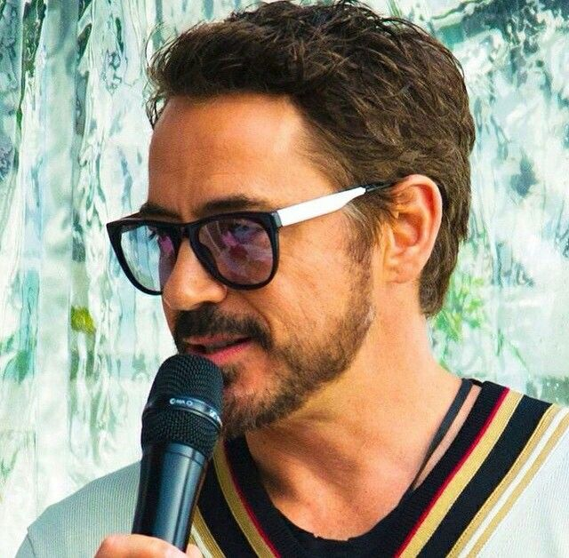 Robert Downey Jr awarded for his advocacy for Chinese Medicine, all while taking his herbs, doing qi gong, and then making movies. The Robert Graham Award is named after the late Robert Graham, a dedicated trustee of Yo San University and advocate of traditional Chinese medicine. (2012)