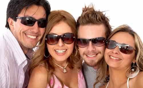 Как правильно носить солнцезащитные очки