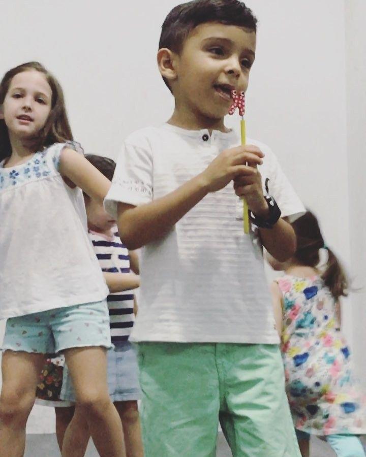 Y con todos ustedes nuestro pequeño Luis Fonsi y sus bailarinas!  #despacito