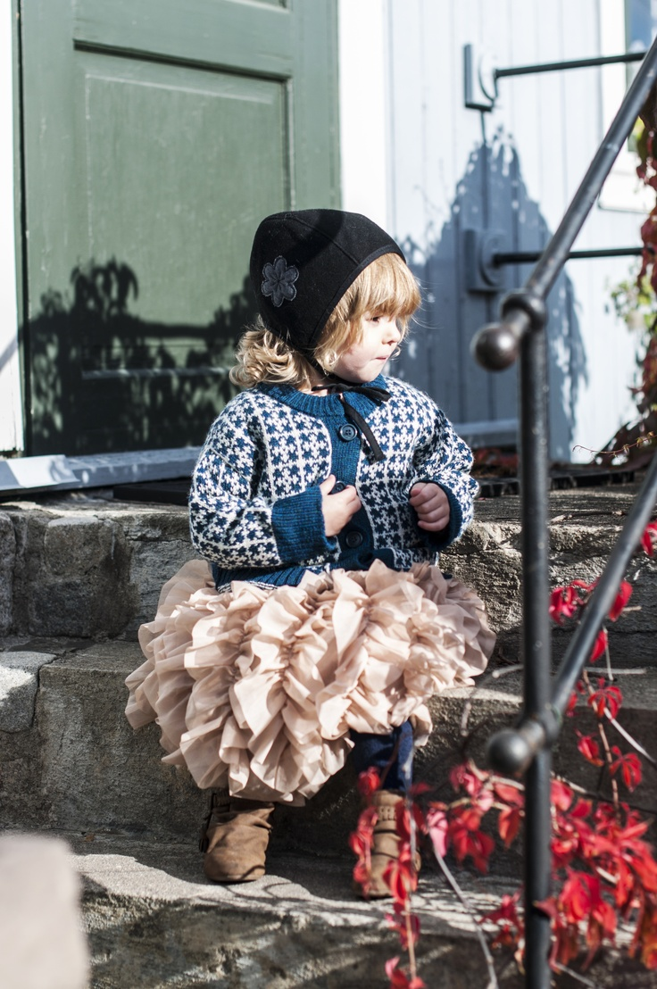 My styling, wee Ameli (aged two)  http://mammaogherman.blogg.no/1349963908_kids_style_ut_p_event.html