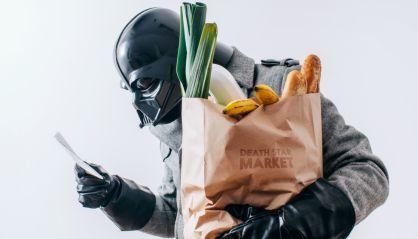 20151216 - Una imagen de 'La vida diaria de Darth Vader'. Mentiras digitales de Star Wars. PICTURE: EL PAIS