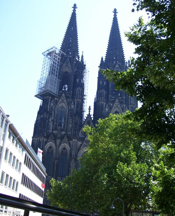 View to the Dom (from the citysightseeing bus)
