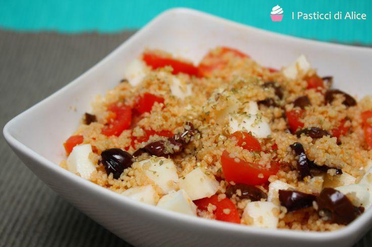 Il Cous Cous Caprese è un piatto semplice, veloce e ideale da gustare come piatto unico .