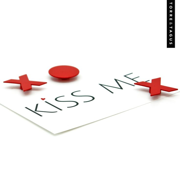 Be a Love Magnet on Valentine's Day!  Leave your Valentine a loving note in style with a set of XO Magnets. #ValentinesDay #ValentinesGift #XOMagnets #TorreAndTagus www.torretagus.com