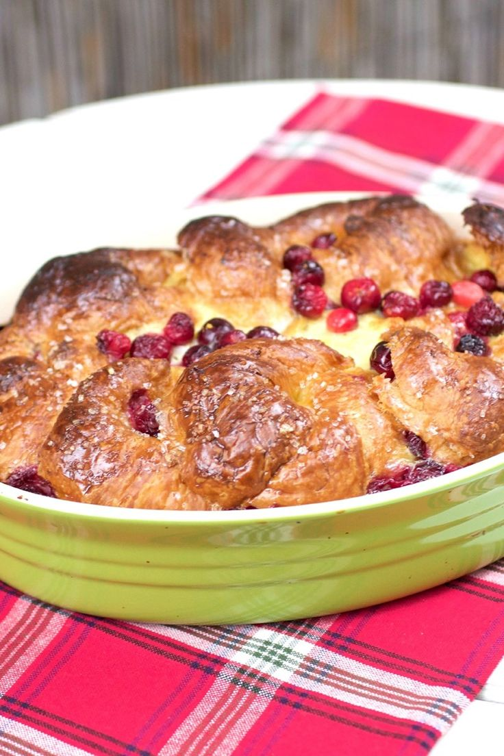 Croissant french toast, Croissant and French toast casserole on ...