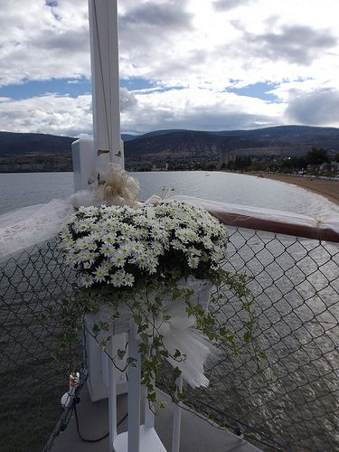 Flowers at the Bow of the Ship - Okanagan Wedding Ceremony Venue - SS Sicamous - Penticton  (6)