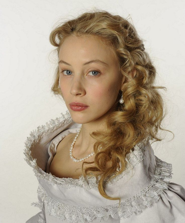 New Still of Sarah Gadon as Countess Ebba Sparre in The Girl King.