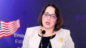 Embajada de EEUU en Salvador organizó feria de emprendedoras