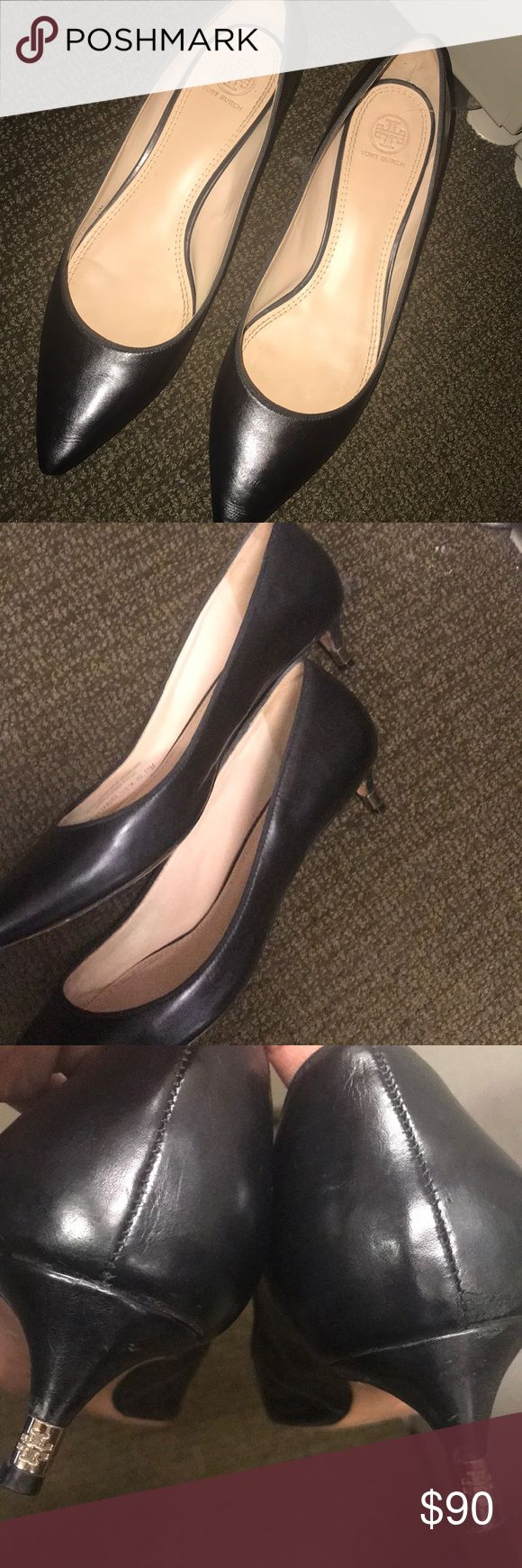 Tory Burch Greenwich Kitten Heels Leather kitten Heel Pump 1  1/2 heel with Gold detail Pointed toe Padded leather footbed. Great condition see photos😍 Tory Burch Shoes Heels