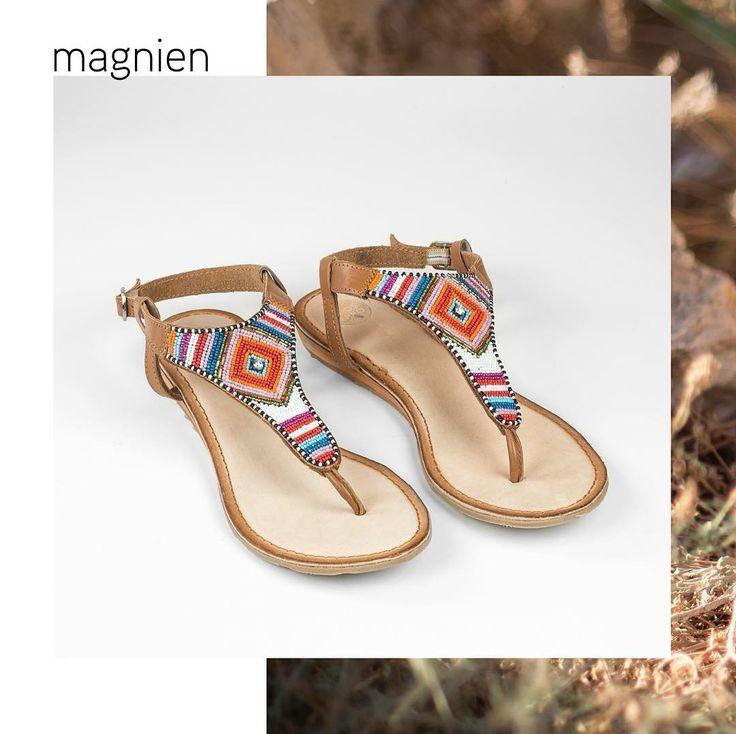 Las noches de verano se disfrutan más aún con unas sandalias bonitas. Recuerda que nuestra colección #apatxebygioseppo está al 30% de descuento. #Rebajas #ÚltimosDías #bohochic #hippiechic #sandalias