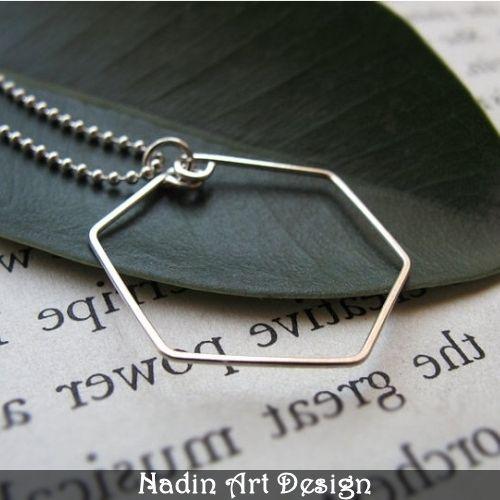 Hexagon Form Halskette in Silber von NadinArtDesign auf DaWanda.com