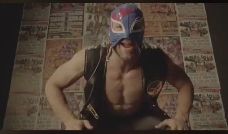 JULES- with DANNY- What better way to build up the hype for the Patriots heading to Mexico in November than a little Nacho Libre wrestling. Danny Amendola and Julian Edelman gear up For the promo for NFL Mexico and i…