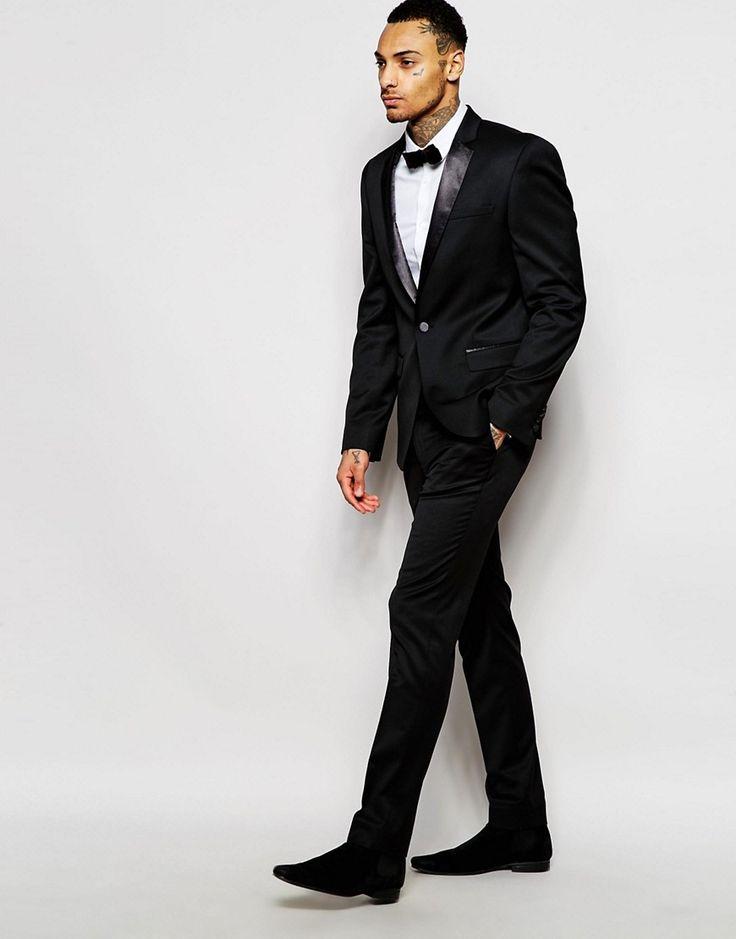 Черный смокинг - вечная классика выходной одежды