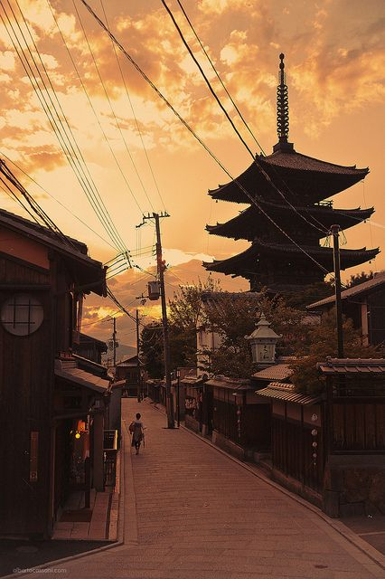 Kyoto JAPAN .....This is a picture very near old Kyoto in my heart.....(^o^)