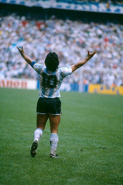 Retro Football, Football Art, Soccer Drills, Soccer Players, Maradona Tattoo, Diego Armando, Legends Football, International Football, My Dream Team