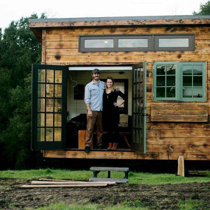 Μικρά σπίτια: Μεγάλη ζωή για τρεις σε 25 τετραγωνικά!  #deck #design #αρχιτεκτονική #διακοσμησησελιγατετραγωνικα #έμπνευση #ιαπωνικηςτεχνοτροπιας #μεταφερομενοσπιτι #μικρασπιτια #μικροίχώροι #σαλονιεξωτερικουχωρου #τεχνοτροπιακαψιματος