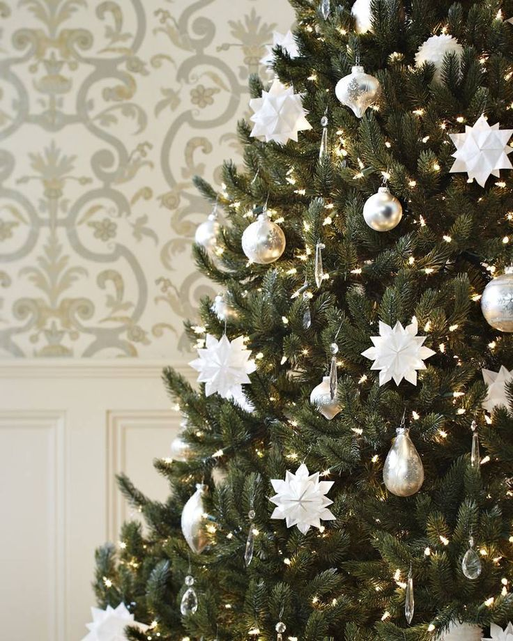 Best 25+ Artificial christmas tree clearance ideas on Pinterest ...