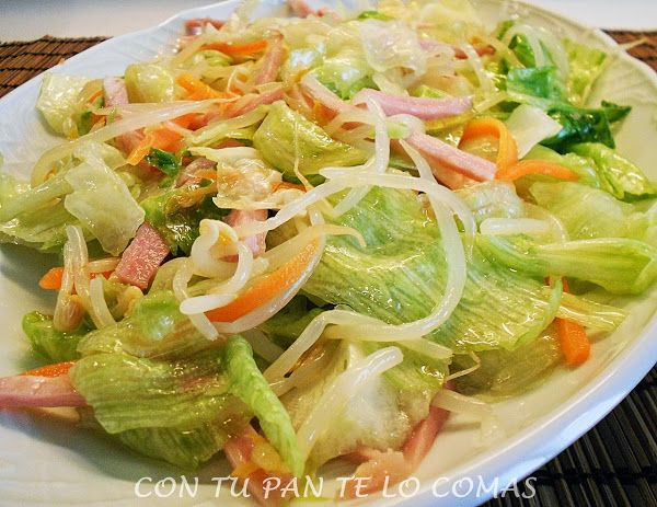El paso a paso para hacer una ensalada china como la de los restaurantes. ¡Te va a sorprender!