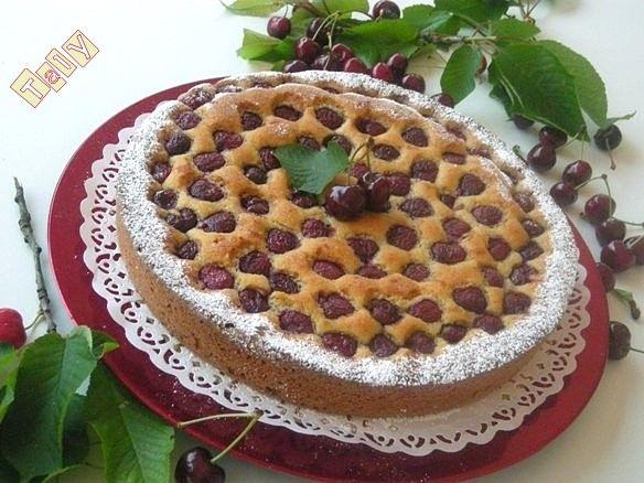 TORTA DI CILIEGIE- Tante #ciliegie mature, farina di #mandorle, e goccio di #maraschino ...e volià!! La torta è pronta!