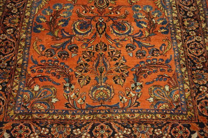 Mooie antieke handgeweven Jugendstil Perzisch tapijt ons Amerikaans Sarough Saruk gemaakt in Iran 225 x 320 cm  Een handgeweven Oosterse Perzisch tapijt wordt aangeboden. Deze tapijten worden vervaardigd in gerenommeerde knopen gebieden.Deze stukken zijn kunstwerken van de beste kwaliteit in zowel materiaal als handwerk.Afwerking: handgewevenAfmetingen: 225 x 320 cmPatroon: Amerikaanse Sarouk wederingevoerd tapijtLand van oorsprong: gemaakt in Iran.Provincie: SaroughNAP: Beste Manchester…