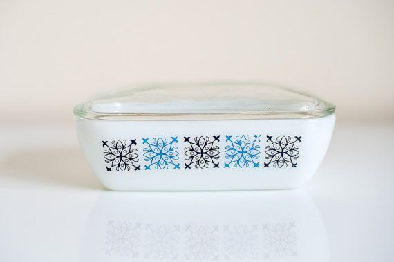 Pyrex Butter Dish with retro design by Gorgethings on Etsy #pyrex #butter #dish #kitchen #kitchenalia #midcentury #milkglass #glass #retro #vintage #white #blue