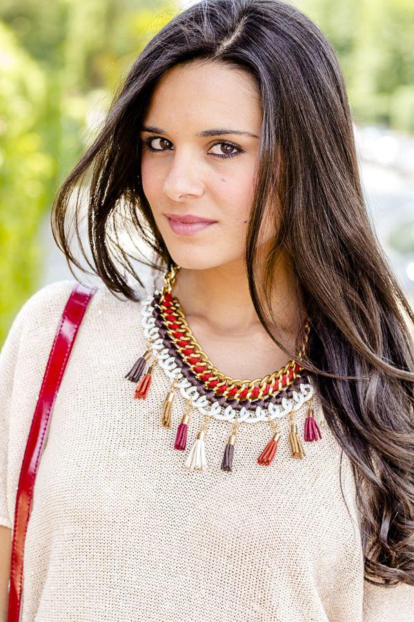 **********1******vs.........////DIY Collar con borlas Crimenes de la Moda