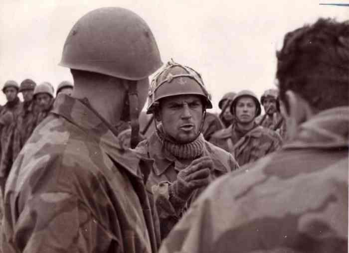 The Swimmers Parachute Battalion of the Tenth Flotilla MAS was established in La Spezia, near the barracks of San Bartolomeo, 27 October 1943.