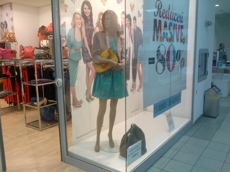 Ziceţi de nu e simplu să fii stylish!    Vă aşteptăm la shopping în magazinul TinaR din apropierea casei ;)