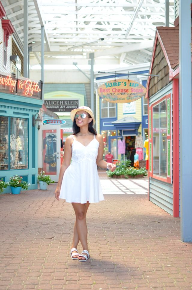 A pretty white dress  #summerstyle #summer #dresses #verano #outfits #vestidos #ootd #style