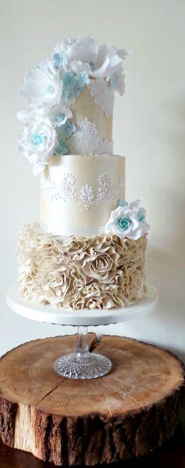 Champagne Shimmer Cake