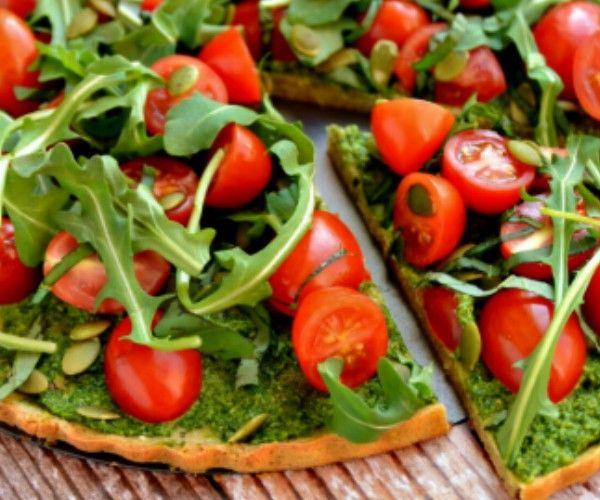 Glutenvrije gezonde pizza met quinoacrust