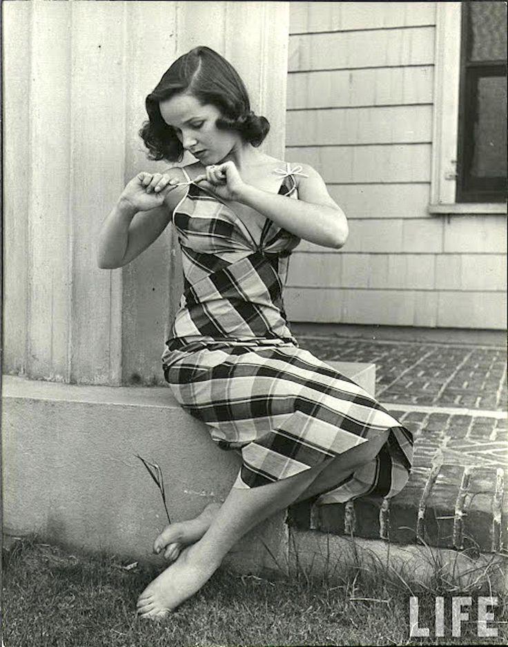 Девушки в нижнем белье, 1949 год