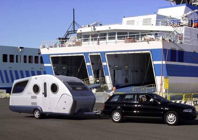 Fährüberfahrten werden von Campern gerade im Sommer gerne genutzt. Daher haben wir Informationen zu Reedereien, Buchungsoptionen und Fährverbindungen gesammelt.