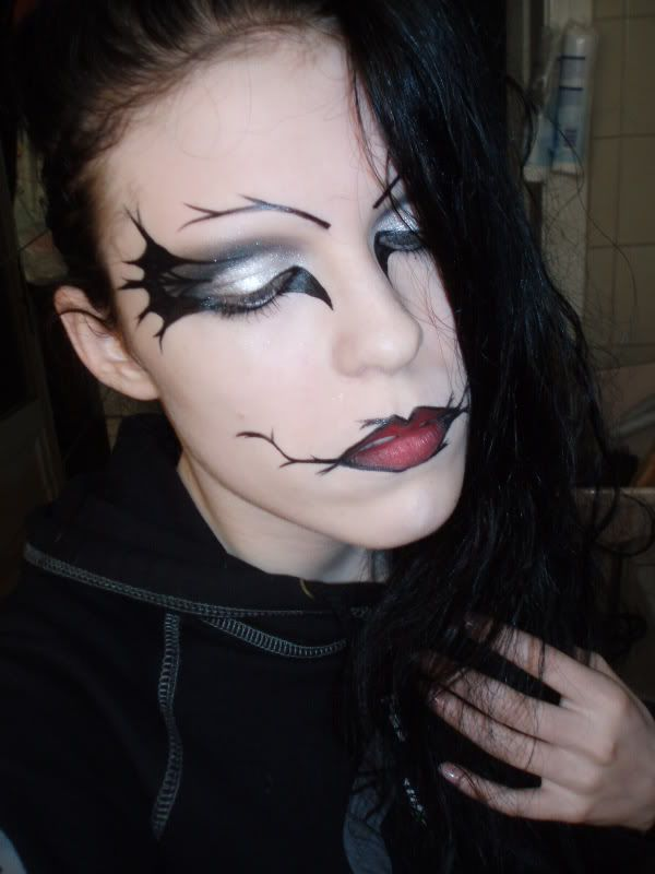 Best 25 maquillage sorciere ideas on pinterest maquillage halloween sorci re maquillage de - Coiffure halloween facile ...