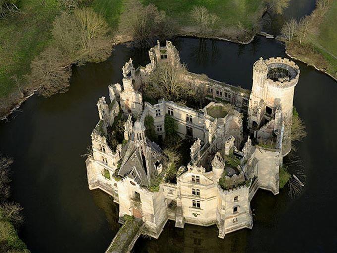 <b>Château de la Mothe-Chandeniers, Frankrike</b>