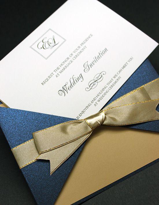 ロイヤルネイビーと落ち着いたゴールドが洗練された雰囲気。結婚式のエレガントで高級感ある招待状のまとめ一覧です♡