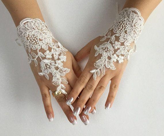 FREE SHIP Ivory Wedding gloves free ship by LaceBarefootSandals