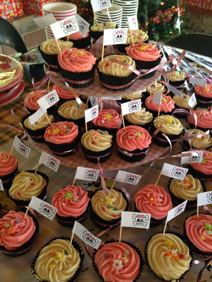 Pirate cupcakes all set up