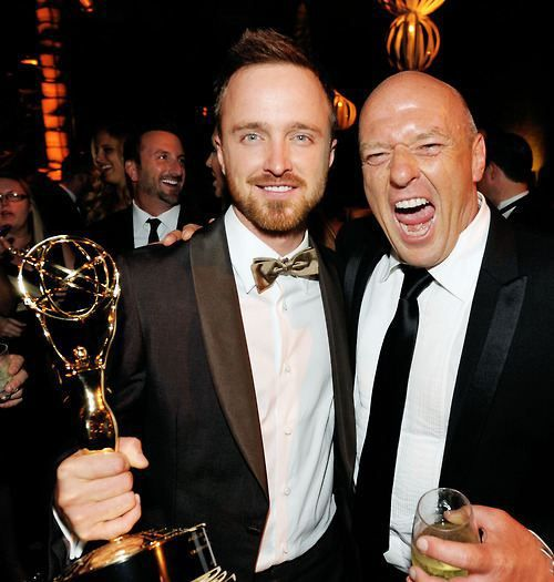 Aaron Paul (Jesse Pinkman) and Dean Norris (Hank Schrader) behind the scenes of Breaking Bad.