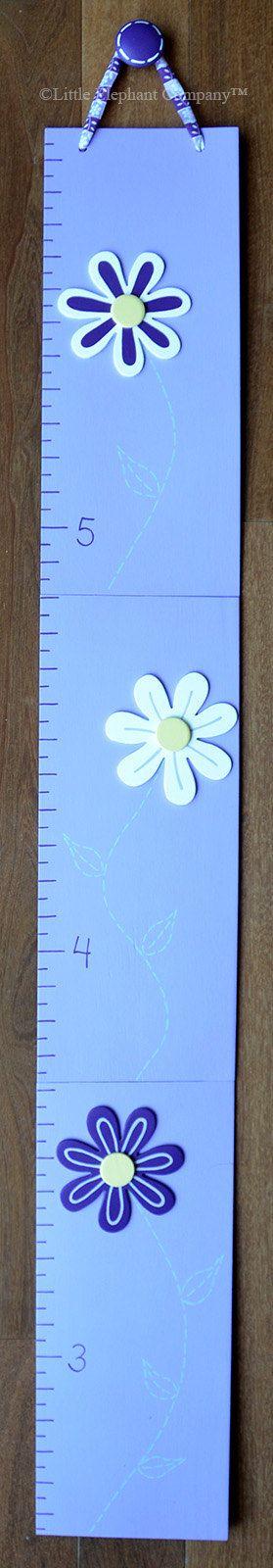 Harper Daisies Wooden Growth Chart handpainted por LittleElephantCo