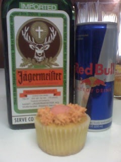 Jager Bomb Cupcake.... HELL YEAH!!