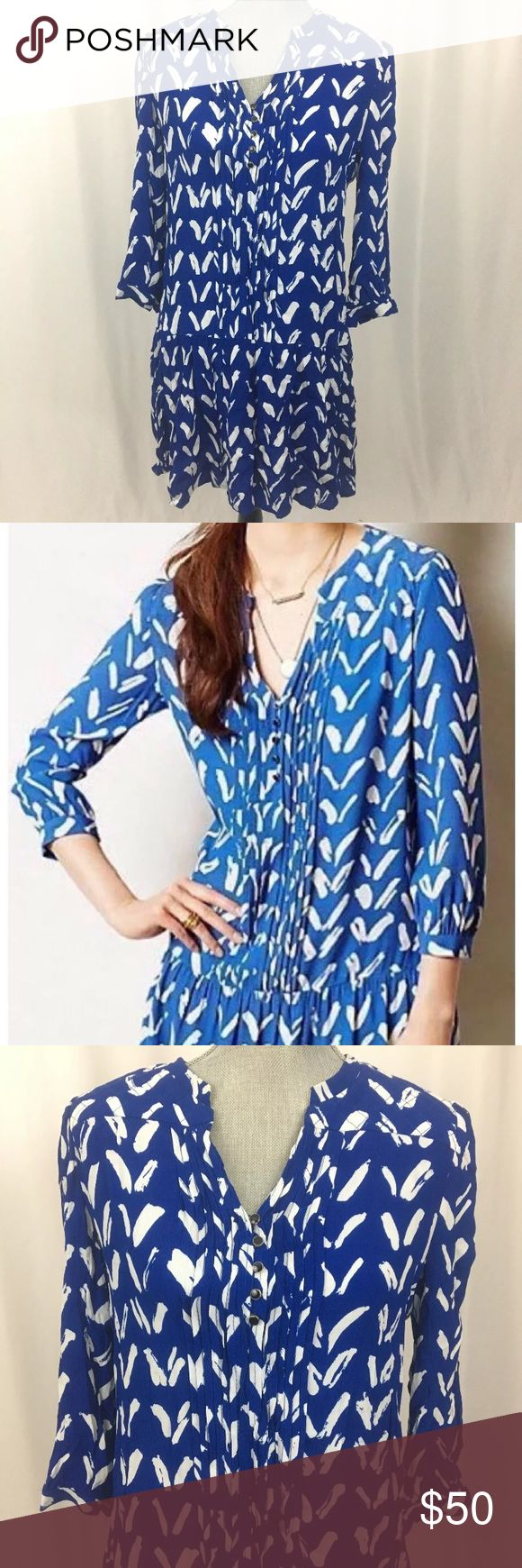 "MAEVE Anthropologie CARAVANE Blue Chevron Dress MAEVE Anthropologie CARAVANE 3/4 Sleeve Blue White Chevron Drop Waist Tunic Dress  Size: Women's Size Small, S Excellent, pre-owned condition-no noticeable flaws or imperfections to note, GREAT condition! Retails for $128 Made of 55% Viscose, 45% Rayon Measurements-- Length (top of neck to bottom hem): 35"" Chest: 39"" Sleeve length (top of shoulder to sleeve opening): 22.5"" Roll up 3/4 sleeves with button closure Pockets Anthropologie Dresses…"