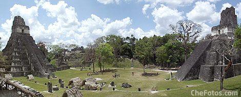 Tikal Ruinas Mayas - Panorámica plaza central